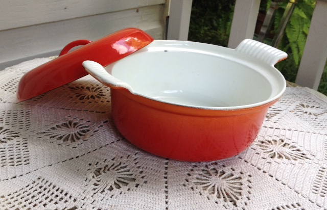 Descoware Vintage Flame 1 1/2 qt. Dutch Oven w/ Domed Lid